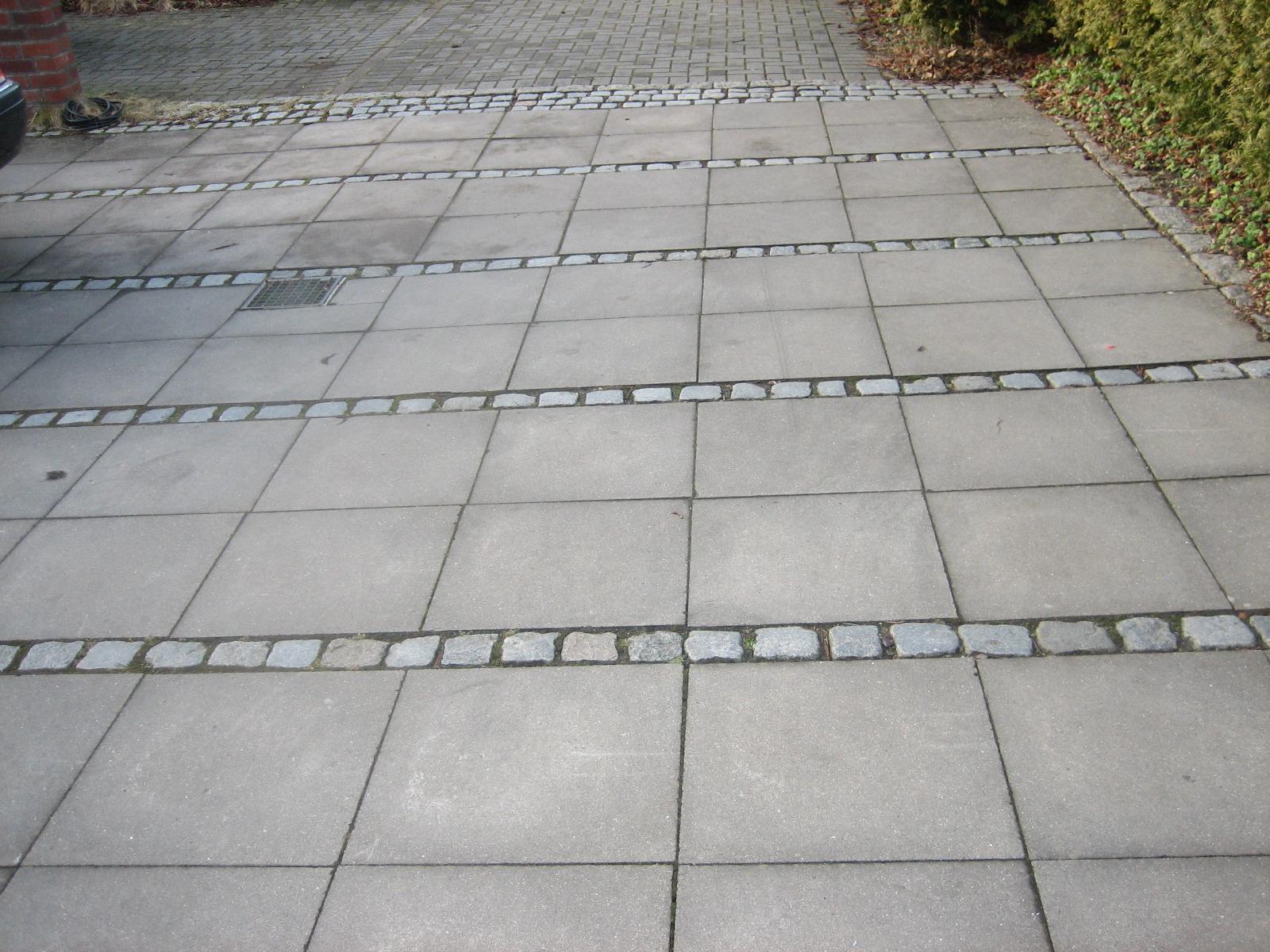 betonplatten grau mit kleinpflaster | righini garten- und landschaftsbau